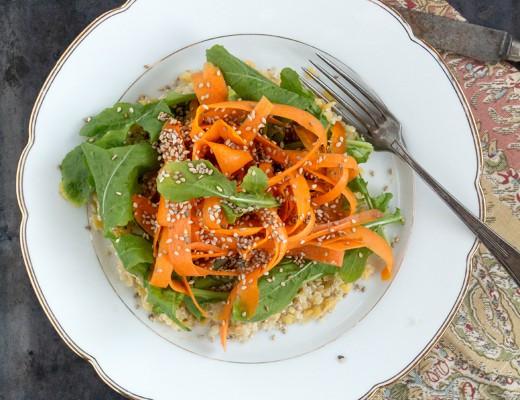 Karotten auf Quinoa & Linsen Salat {flowers on my plate}
