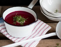Beet & Apple Soup {flowers on my plate} Rote Bete & Apfel Suppe Rezept