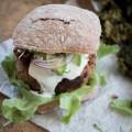Vegetarische Maroni & Ricotta Burger {flowers on my plate}
