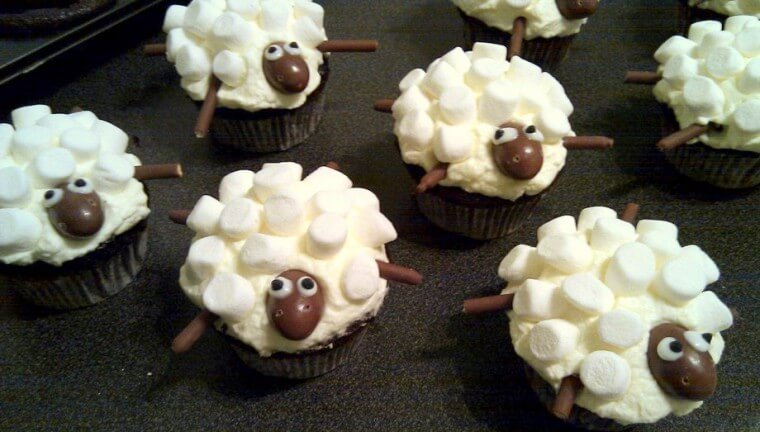 rezept f r sheep cupcakes f r kinder oder zum geburtstag. Black Bedroom Furniture Sets. Home Design Ideas