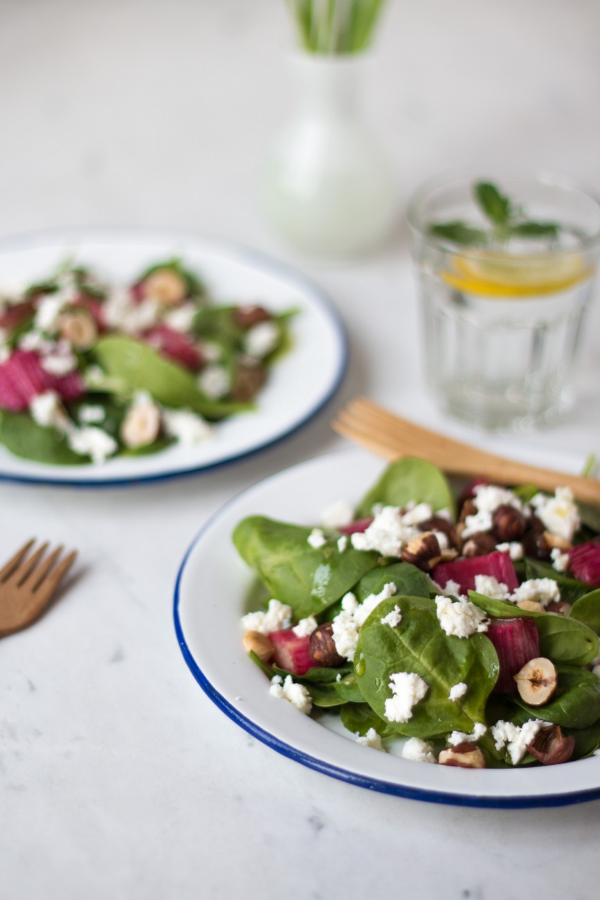 Karamellisierter Rhabarber & Spinat Salat